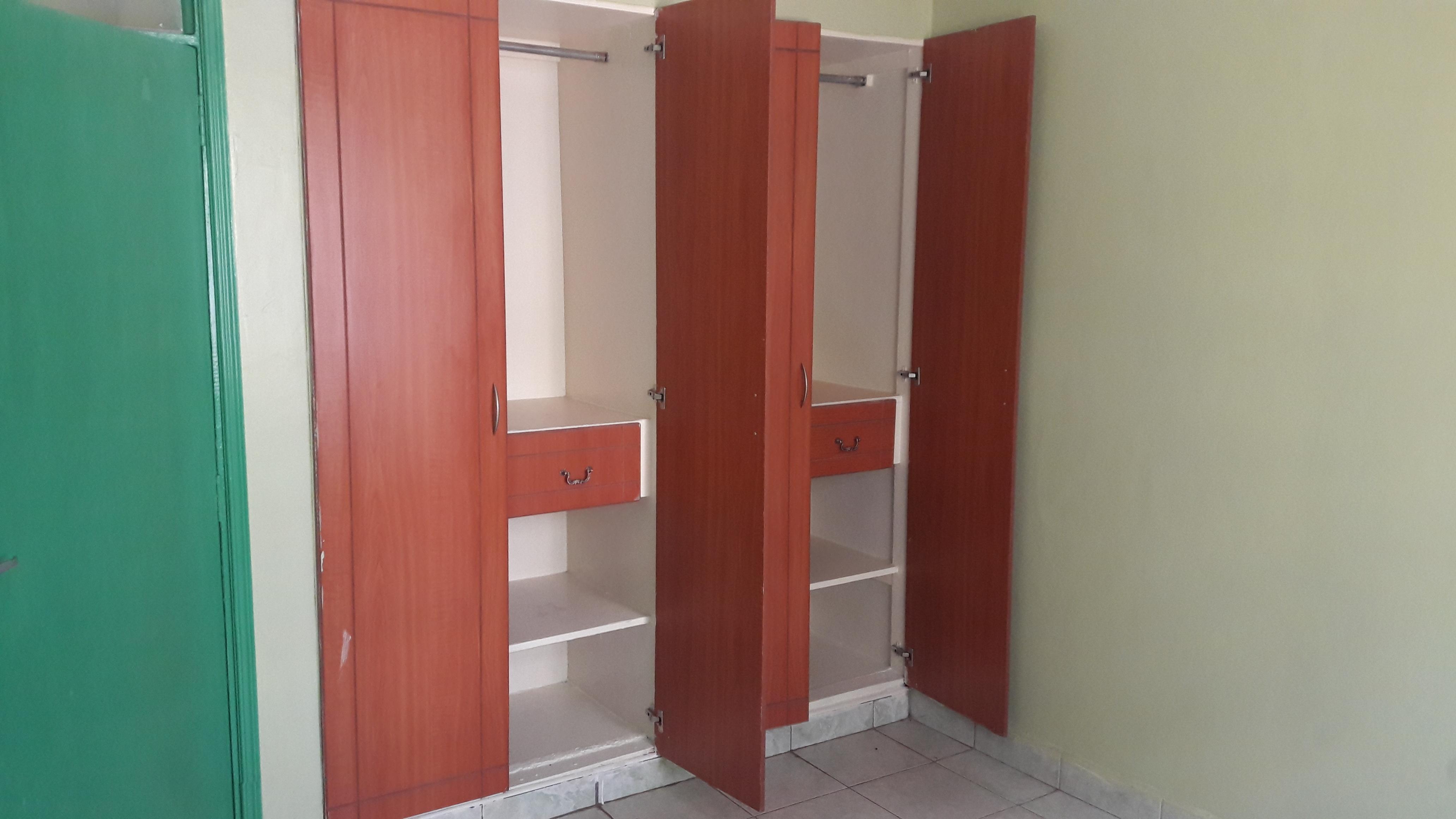 EXECUTIVE 2 bedroom,- in Ruaka