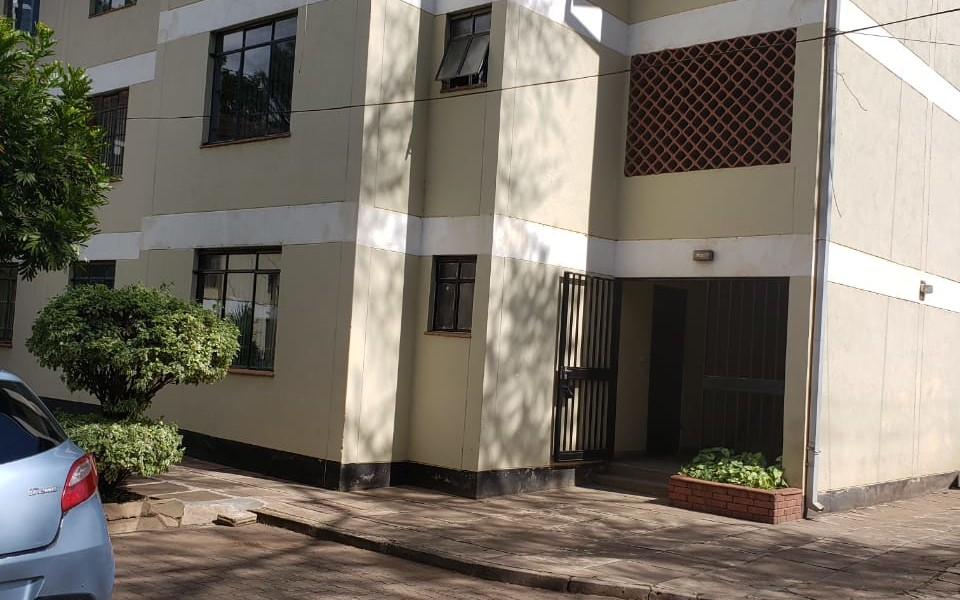 2 Bedroom Flat for Commercial Use