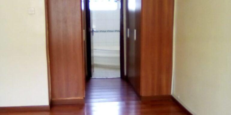 Kile Apartment 8
