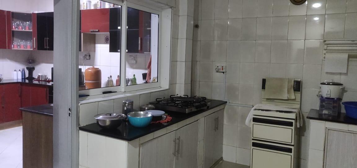 4bedroomed maisonette